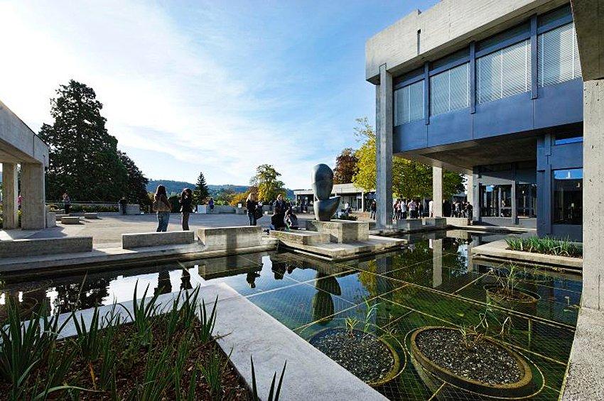 Universität St. Gallen / Hauptgebäude aussen